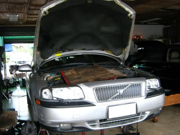 รับซ่อมเกียร์ออโต้รถยนต์ทุกรุ่น  รับประกันผลงาน 1 ปี