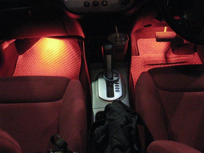 ทำการทดสอบ จะได้ไฟต้องเท้าที่ติดตอนที่เปิดประตู หรือกดรีโมทเปิดรถ อันสวยงามถูกใจ