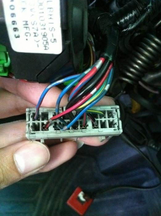 สายไฟ แดงดำ สายไฟฟ้าดำ มีอยู่แล้ว ของผม rx 05 แต่ต้องตัดต่อใหม่ทั้งสองเส้น(พ่วง)