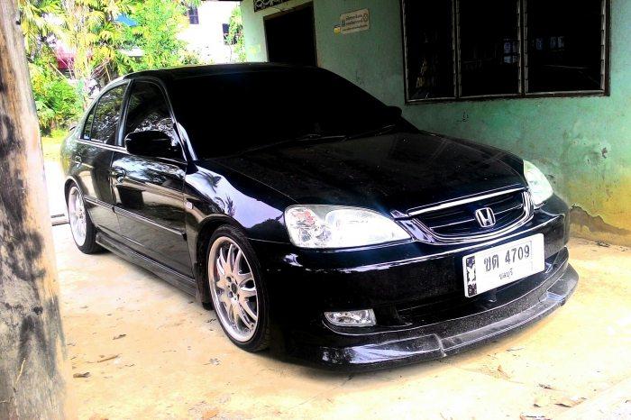 รถผมปี 04 สีดำ MT อยู่ อุตรดิตถืคับ