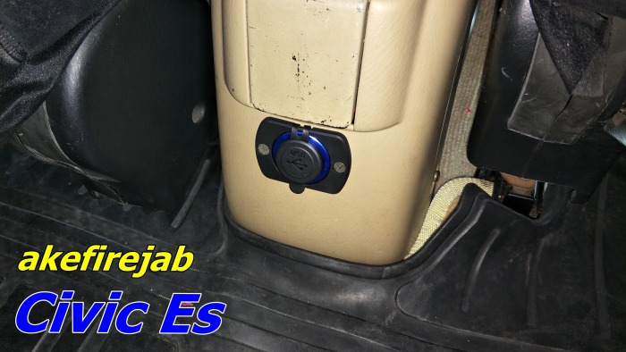 Civic Es USB Charger